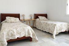Apartamento en San Pedro de Alcántara - Apartamento de 4 dormitorios a200 mde la playa