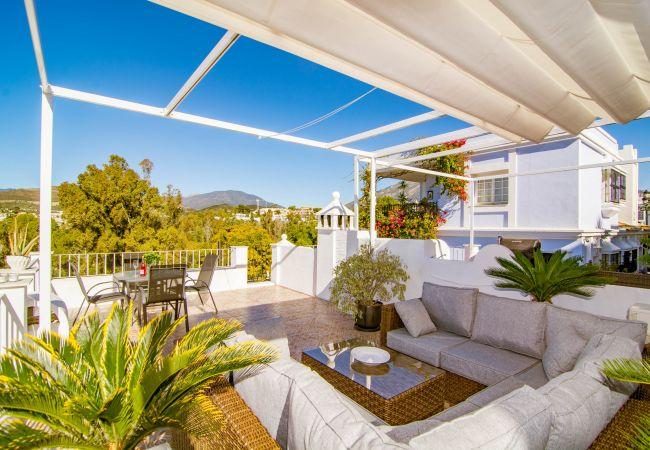 Apartamento en Nueva andalucia - Apartamento con piscina en Nueva andalucia