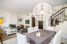 Casa adosada en Nueva andalucia - Casa adosada de 3 dormitorios en Nueva andalucia
