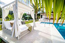 Villa en Nueva andalucia - Villa de 4 dormitorios a2 kmde la playa