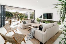 Villa en Nueva andalucia - Villa de 5 dormitorios a1 kmde la playa