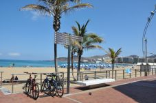 Apartamento en Las Palmas de Gran Canaria - MODERN APT IN LAS CANTERAS  - WIFI-TERRACE AND SEAVIEWS