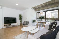 Apartment in Santa Cruz de Tenerife - NEW APT, ROOFTOP POOL WITH SEA VIEW, WIFI, NETFLIX