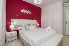 Apartment in Bajamar - BEAUTIFUL APARTMENT, SEA VIEWS, POOL, BBQ, GYM