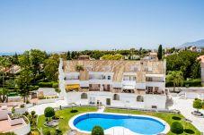Appartamento a Nueva andalucia - Appartamento con piscina a900 mdalla spiaggia